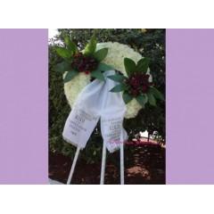 Στεφάνι Τρίποδο από Γαρύφαλλο και δυο Κατασκευές Τριαντάφυλλο